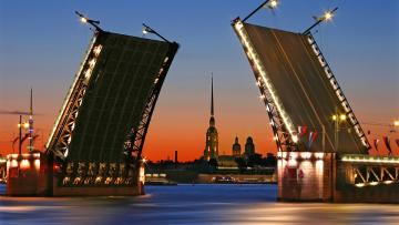 В Петербурге в ночь на 15 марта разведут два моста