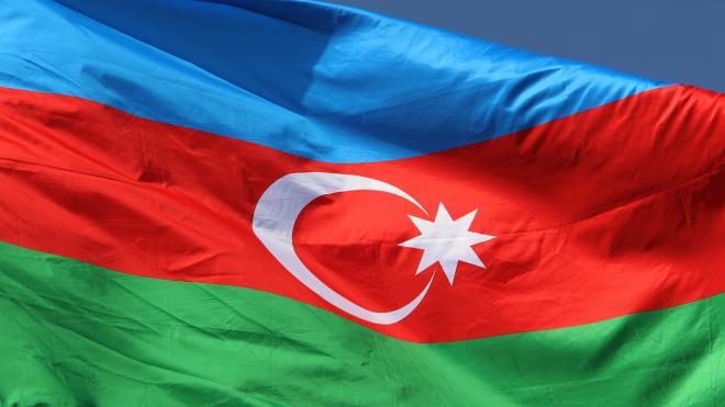 Очевидцы сообщили об оползне в центре Баку