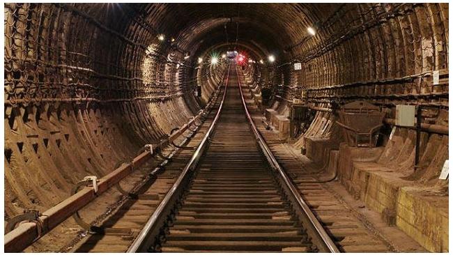 Смольный проведет инженерные изыскания по новым станциям метро