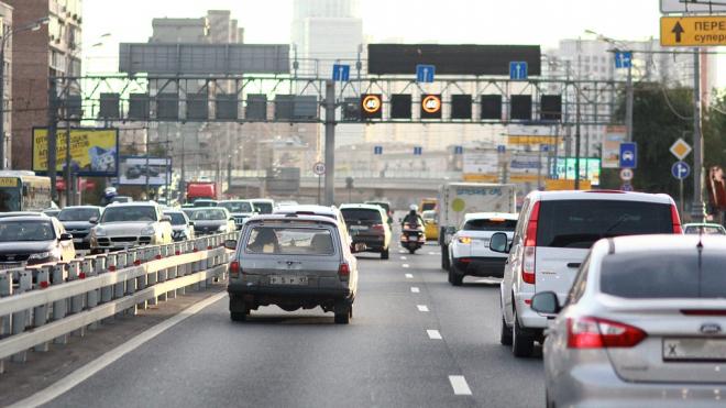 На развязке КАД с Гостилицким шоссе на 4 часа закроют съезд