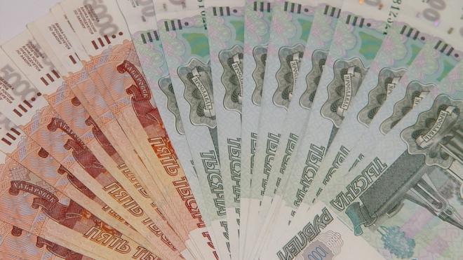 В Петербурге установили самый значительный рост зарплат по стране