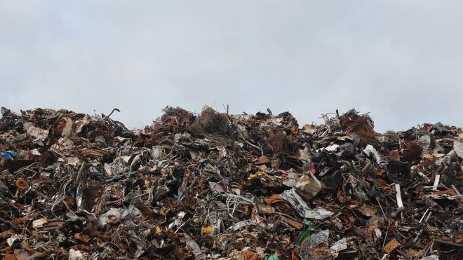 На Промышленной улице уберут незаконную свалку отходов
