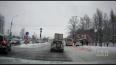 В Выборгском районе таксист въехал в остановку с людьми:...