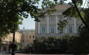 В Смольном проверили строительство школ и детсадов в трех районах города