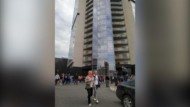 """Из БЦ """"Atlantic City"""" из-за задымления эвакуировали людей"""