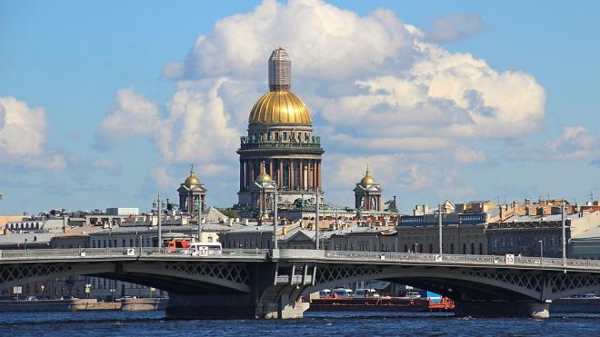 Депутат ЗакСа попросил Медведева переселить жителей Петербурга и Москвы в регионы