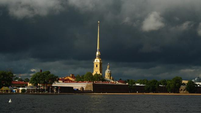 Петербург в воскресенье накроют дожди и грозы