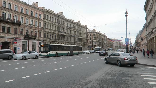 Полиция потребовала приостановить движение общественного транспорта по центру Петербурга