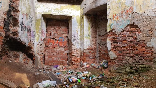 Нарушения при реставрации Александровских ворот Охтинских пороховых заводов привели к уголовному делу