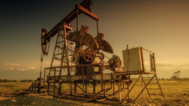 Цена нефти Brent опустилась ниже $65 за баррель