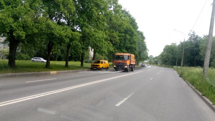 За неделю с улиц Петербурга вывезли 2,7 тысяч тонн загрязнений