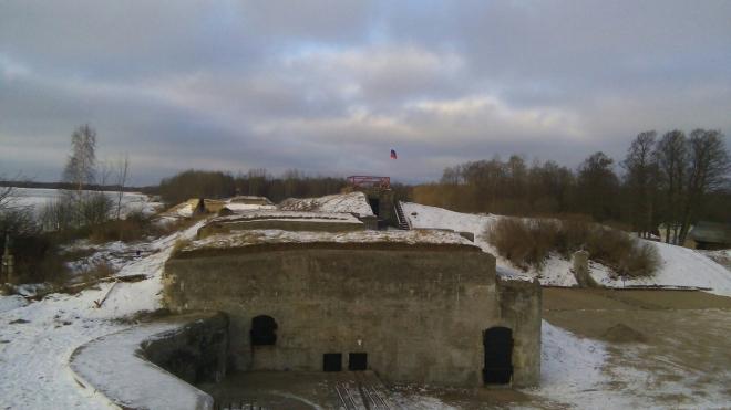 """Командующий ЗВО посетил военно-патриотическую стройку на береговой батарее """"Демидов"""""""