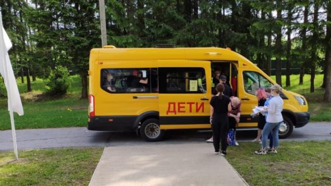 Детские лагеря Ленобласти встретили первых постояльцев
