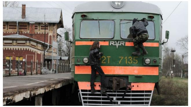 """Полиция поймала """"зацепера"""" на грузовом поезде"""