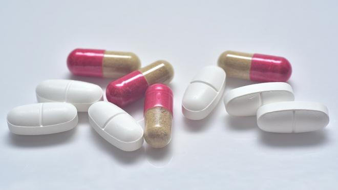 Опрос: 69 % россиян предпочитают принимать отечественные лекарства