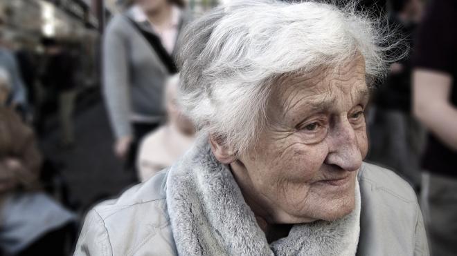 В Кингисеппском районе постоялец изнасиловал 86-летняя пенсионерку
