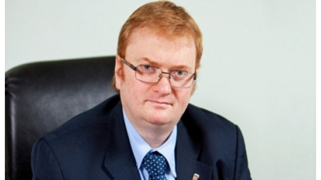Милонов предлагает увеличить налог на прибыль для фирм с гастарбайтерами