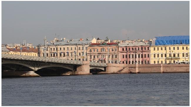 Особняк на Васильевском острове продадут за 270 млн рублей