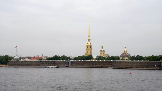 Участники Международной математической олимпиады произвели залп из пушки Петропавловской крепости