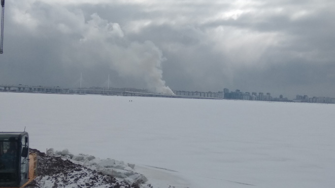 Автосервис на Морской набережной тушили 14 пожарных