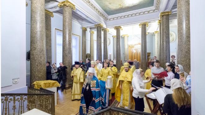 Митрополит Варсонофий освятил храм Михайловского замка