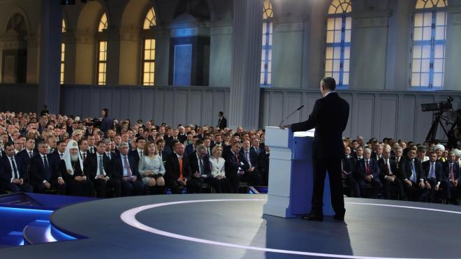 Эксперт прокомментировал дату послания Путина к Федеральному собранию