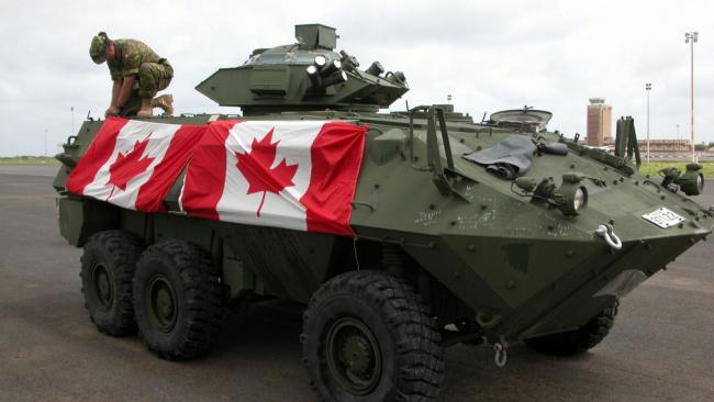 Канада будет снабжать Украину военной техникой и вооружением