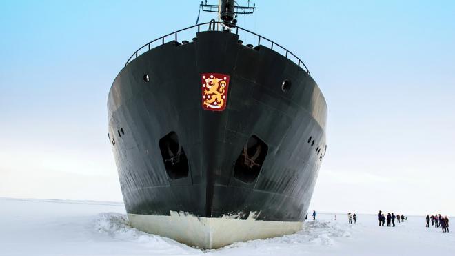 Желающие попасть на Фестиваль ледоколов ждут очереди по два часа