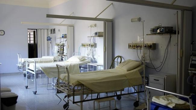 Темпы вакцинации от COVID-19 в Петербурге отстают от роста числа госпитализаций