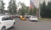 В Шушарах перевернулась маленькая желтая машинка