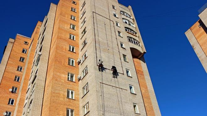 В Ленобласти погиб мужчина на рабочем месте, упав с высоты