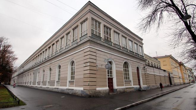 В Петербурге приостановили действие разрешения на стройку на месте манежа лейб-гвардии Финляндского полка