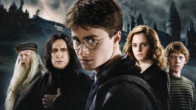 """Джоан Роулинг написала новые рассказы по """"Гарри Поттеру"""""""