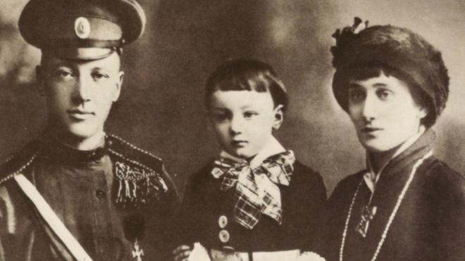 В Петербурге могут установить четыре мемориальных доски в память об Анне Ахматовой