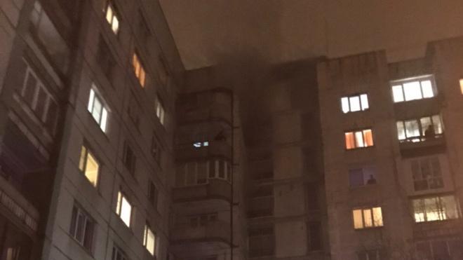 Из жилого дома на Просвещения эвакуировали 21 человека из-за пожара