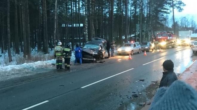 На Дороге жизни в тройной аварии погибло двое петербуржцев
