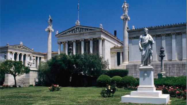 Грецию называли главной кандидаткой на вылет из Еврозоны