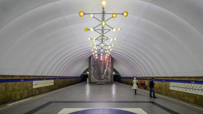 "На станции ""Озерки"" отремонтируют эскалатор"