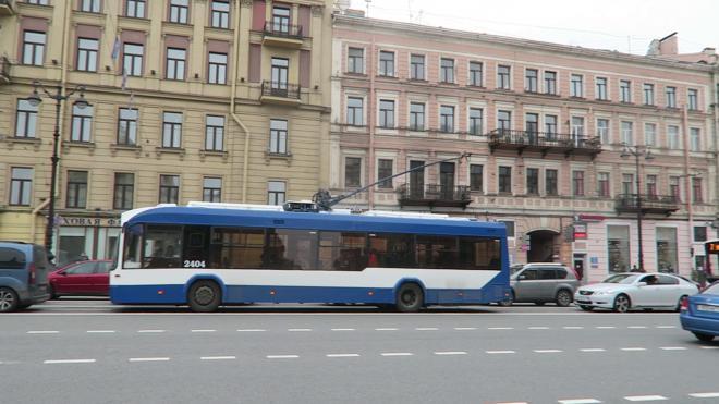 В Петербурге продлевают работу трамваев и троллейбусов