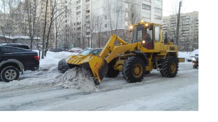 За сутки улицы Петербурга очистили от 67 тысяч кубометров снега