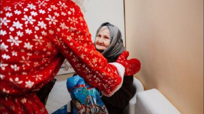 """Акция """"Добрый год"""" поможет пожилым петербуржцам в период пандемии"""