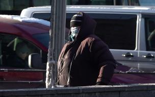 Глава Петербурга объяснил, почему маски не раздают бесплатно