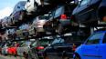 В Выборге начали уборку автомобильного хлама