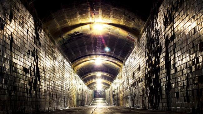 На Арсенальной набережной обнаружили подземный тоннель