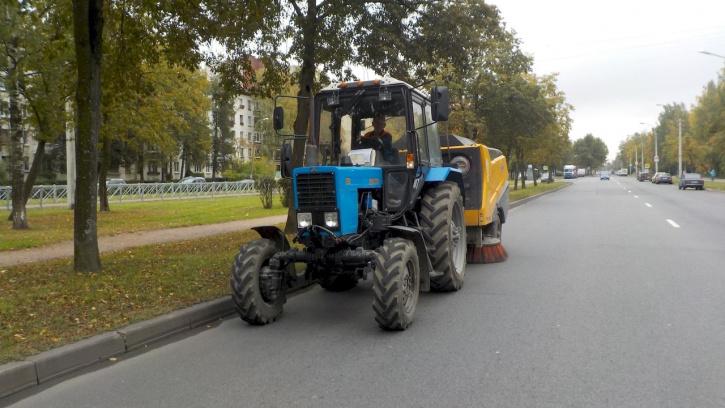 В сентябре с улиц северной столицы вывезли 8,8 тыс. тонн загрязнений