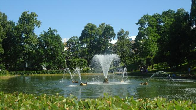 В Любашинском саду фонтан восстановят на год раньше срока