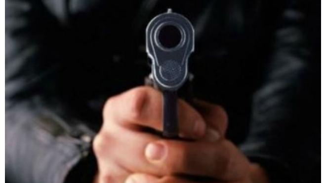"""На Кондратьевском проспекте ограбили ювелирный магазин сети """"585"""""""