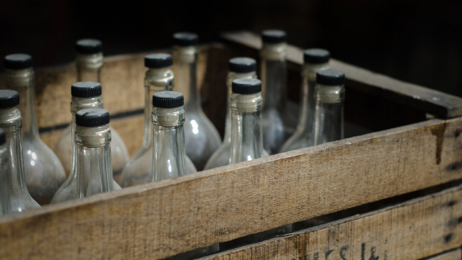 Под Петербургом задержали подпольных производителей поддельного алкоголя