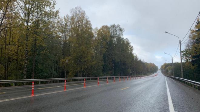 На наиболее загруженных дорогах Ленобласти дорожники устанавливают камеры для контроля скорости