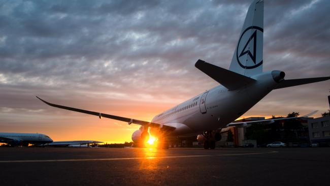 ОАК в текущем году поставила авиакомпаниям РФ 12 самолетов SSJ 100